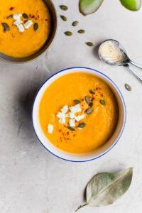 En finir avec les maux de ventre: la soupe contre la constipation